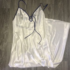 Victoria's secret night time slip. 100% polyester